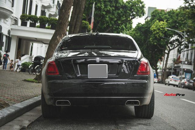 Sẽ thế nào nếu một chiếc Rolls-Royce Ghost được độ phần cản của Rolls-Royce Wraith ? - Ảnh 4.