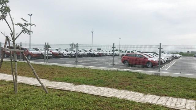 Loạt xe nhập khẩu mới cập cảng, chuẩn bị bung ra thị trường trong tháng tới - Ảnh 1.