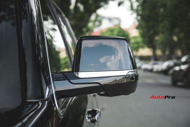 Khủng long Mỹ Cadillac Escalade 2018 lần đầu dạo phố sau khi vừa về tay chủ nhân mới - Ảnh 5.