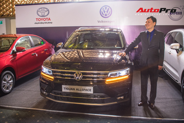 Volkswagen Việt Nam úp mở ra mắt SUV hạng sang cạnh tranh Lexus RX - Ảnh 1.