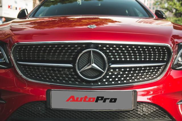 Không chờ được Mercedes-Benz E43 AMG xịn, dân chơi Hà thành mua E300 AMG để tự độ hiệu suất cao như thật - Ảnh 7.