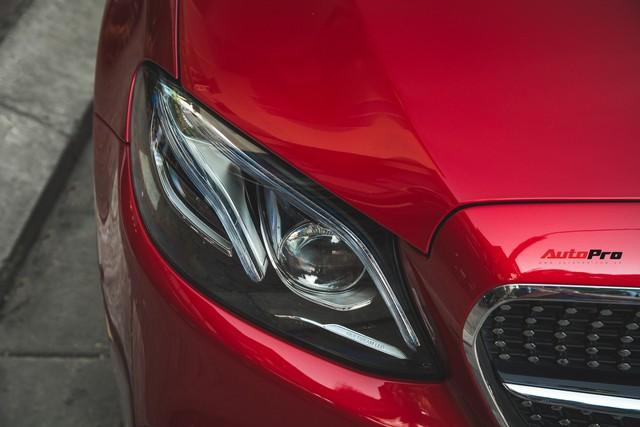 Không chờ được Mercedes-Benz E43 AMG xịn, dân chơi Hà thành mua E300 AMG để tự độ hiệu suất cao như thật - Ảnh 9.