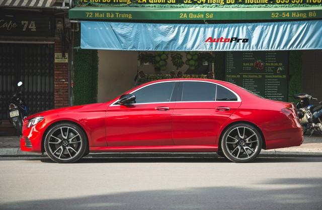 Không chờ được Mercedes-Benz E43 AMG xịn, dân chơi Hà thành mua E300 AMG để tự độ hiệu suất cao như thật - Ảnh 4.
