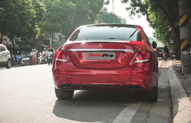 Không chờ được Mercedes-Benz E43 AMG xịn, dân chơi Hà thành mua E300 AMG để tự độ hiệu suất cao như thật - Ảnh 6.