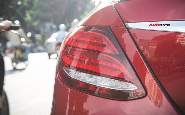 Không chờ được Mercedes-Benz E43 AMG xịn, dân chơi Hà thành mua E300 AMG để tự độ hiệu suất cao như thật - Ảnh 13.