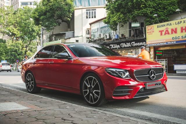 Không chờ được Mercedes-Benz E43 AMG xịn, dân chơi Hà thành mua E300 AMG để tự độ hiệu suất cao như thật - Ảnh 3.