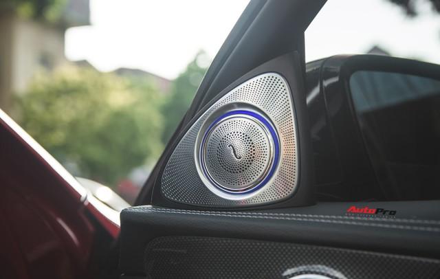 Không chờ được Mercedes-Benz E43 AMG xịn, dân chơi Hà thành mua E300 AMG để tự độ hiệu suất cao như thật - Ảnh 16.