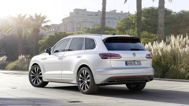 Volkswagen Việt Nam úp mở ra mắt SUV hạng sang cạnh tranh Lexus RX - Ảnh 3.