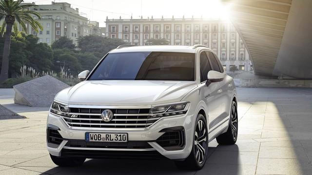 Volkswagen Việt Nam úp mở ra mắt SUV hạng sang cạnh tranh Lexus RX - Ảnh 2.