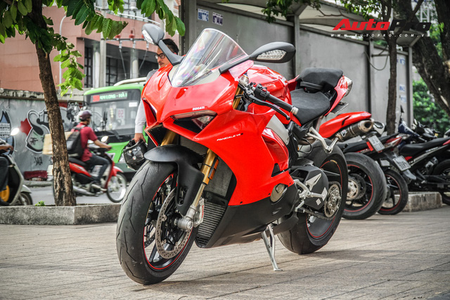 Chi tiết Ducati Panigale V4S được lên đời ống xả gần 200 triệu tại Sài Gòn - Ảnh 1.