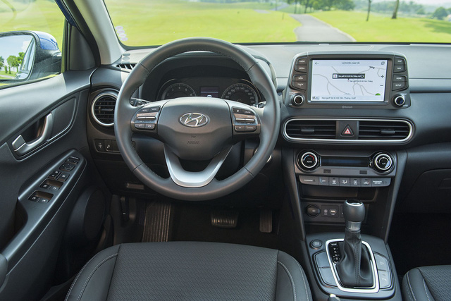 Hyundai Kona chính thức ra mắt, giá từ 615 triệu đồng - Ảnh 2.
