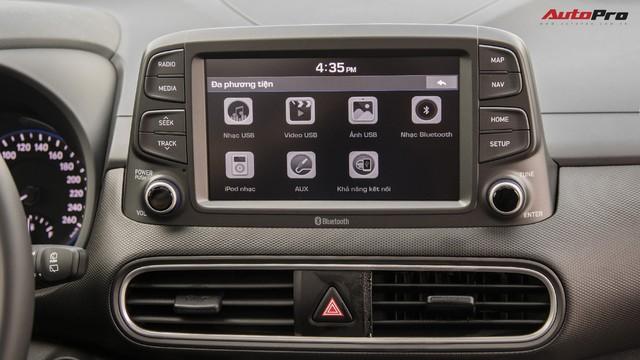 Bị chê đắt, Hyundai Kona bản cao nhất có gì để định giá 725 triệu đồng? - Ảnh 12.