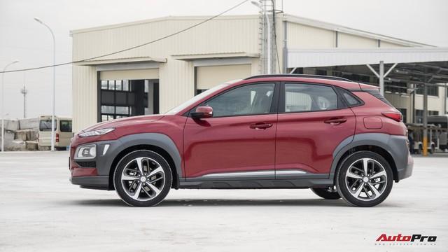 Bị chê đắt, Hyundai Kona bản cao nhất có gì để định giá 725 triệu đồng? - Ảnh 2.