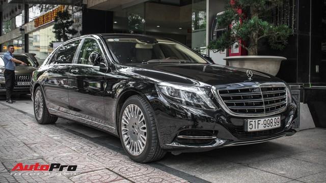 Đại gia Sài Gòn sắm Mercedes-Maybach S600 biển 998.99 đối cặp với Ferrari 889.88 của Tuấn Hưng - Ảnh 4.