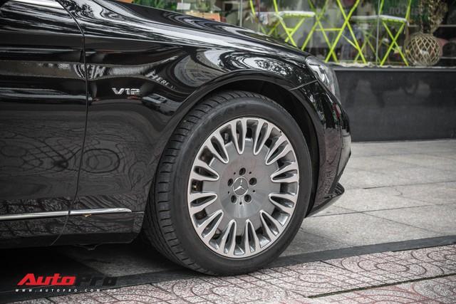 Đại gia Sài Gòn sắm Mercedes-Maybach S600 biển 998.99 đối cặp với Ferrari 889.88 của Tuấn Hưng - Ảnh 7.