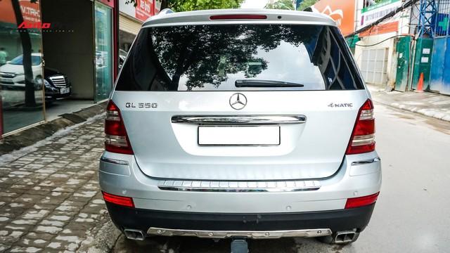 Khủng long Mercedes-Benz GL550 9 năm tuổi có giá rẻ hơn cả GLC 200 - Ảnh 5.
