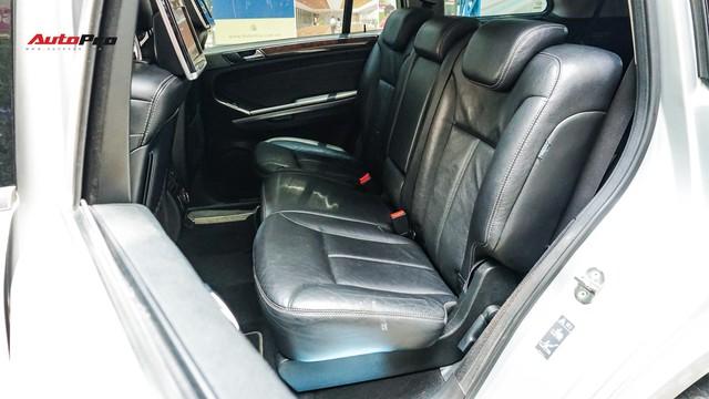Khủng long Mercedes-Benz GL550 9 năm tuổi có giá rẻ hơn cả GLC 200 - Ảnh 14.