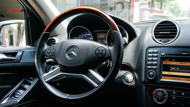 Khủng long Mercedes-Benz GL550 9 năm tuổi có giá rẻ hơn cả GLC 200 - Ảnh 10.