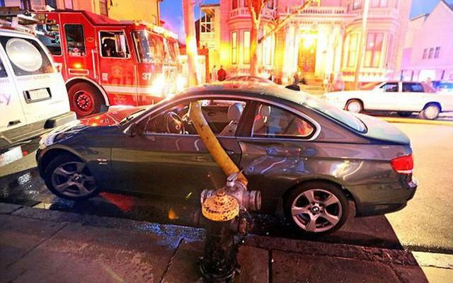Những cái kết đắng ngắt của chủ xe vì lỡ đậu xế hộp cạnh các điểm cấp nước chữa cháy - Ảnh 2.
