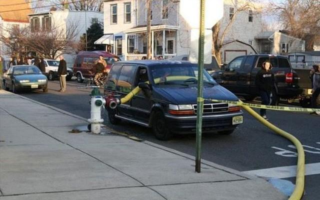 Những cái kết đắng ngắt của chủ xe vì lỡ đậu xế hộp cạnh các điểm cấp nước chữa cháy - Ảnh 7.