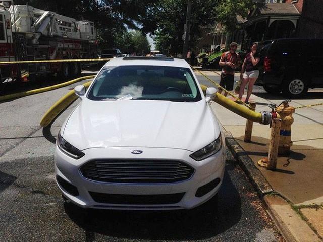Những cái kết đắng ngắt của chủ xe vì lỡ đậu xế hộp cạnh các điểm cấp nước chữa cháy - Ảnh 9.