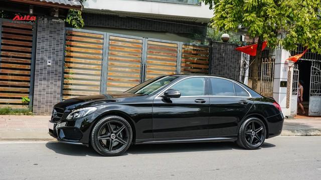 Độ full-black rồi bán lại, chủ xe Mercedes-Benz C300 AMG vẫn khấu hao hàng trăm triệu đồng. - Ảnh 3.