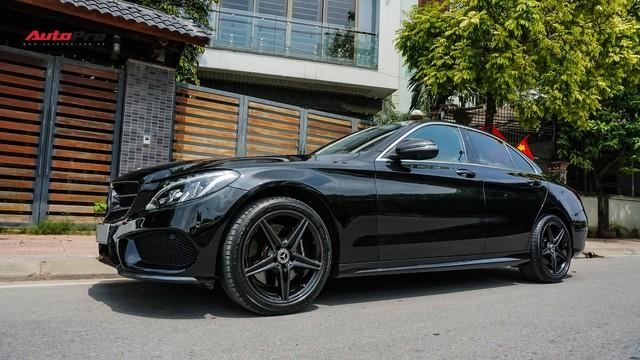 Độ full-black rồi bán lại, chủ xe Mercedes-Benz C300 AMG vẫn khấu hao hàng trăm triệu đồng. - Ảnh 17.