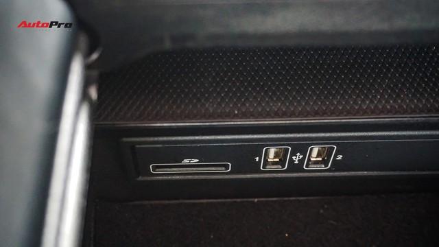 Độ full-black rồi bán lại, chủ xe Mercedes-Benz C300 AMG vẫn khấu hao hàng trăm triệu đồng. - Ảnh 14.