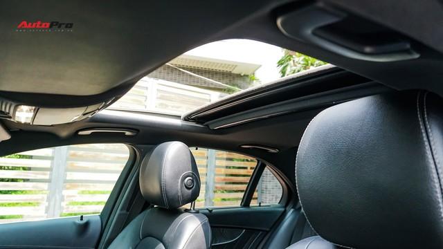 Độ full-black rồi bán lại, chủ xe Mercedes-Benz C300 AMG vẫn khấu hao hàng trăm triệu đồng. - Ảnh 8.