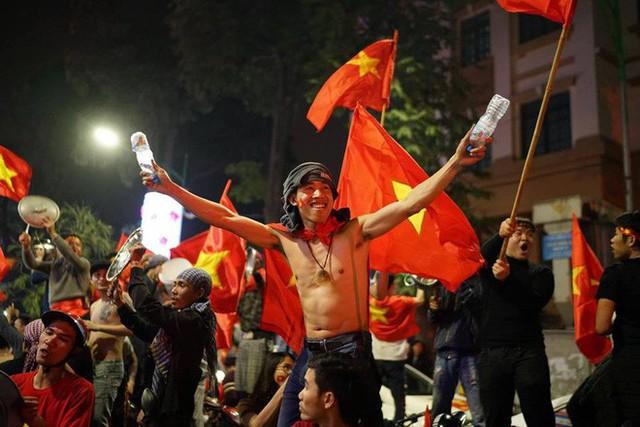 Màn dự đoán tỉ số trận U23 Việt Nam - U23 Syria của chiếc xe khách khiến dân mạng thích thú - Ảnh 5.