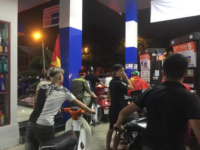 Màn dự đoán tỉ số trận U23 Việt Nam - U23 Syria của chiếc xe khách khiến dân mạng thích thú - Ảnh 7.