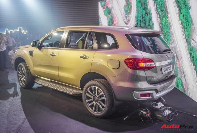 Ford Everest 2018 giá từ hơn 1,1 tỷ đồng, phả hơi nóng lên Toyota Fortuner - Ảnh 1.