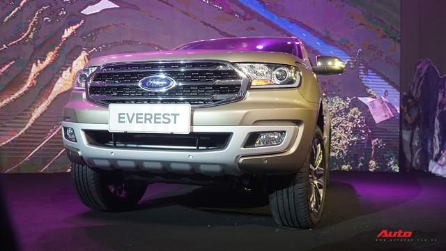Ford Everest 2018 giá từ hơn 1,1 tỷ đồng, phả hơi nóng lên Toyota Fortuner - Ảnh 3.