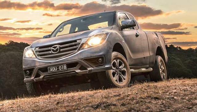 Mazda BT-50 2018 rục rịch về đại lý, giảm giá và chốt lịch mở bán tại Việt Nam - Ảnh 2.