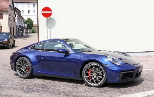 Porsche 911 mới chưa ra mắt nhưng đã lộ diện hoàn toàn trên phố - Ảnh 1.