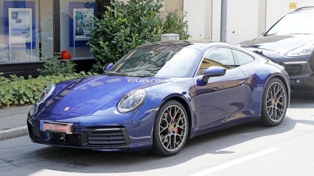 Porsche 911 mới chưa ra mắt nhưng đã lộ diện hoàn toàn trên phố