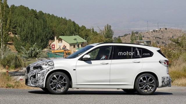 SUV nhỏ nhất BMW X1 2020 rò rỉ ảnh nội, ngoại thất  - Ảnh 3.