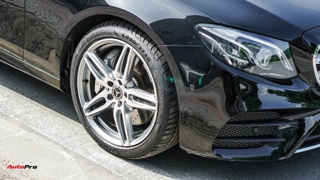 Chấp nhận lỗ 190 triệu đồng, chủ xe Mercedes-Benz E300 AMG bán lại dù chưa chạy tới 10.000 km - Ảnh 2.