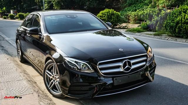 Chấp nhận lỗ 190 triệu đồng, chủ xe Mercedes-Benz E300 AMG bán lại dù chưa chạy tới 10.000 km - Ảnh 1.