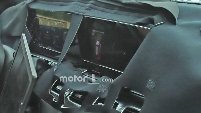 Nội thất của Mercedes-Benz GLS sắp ra mắt với màn hình siêu lớn là đây - Ảnh 2.