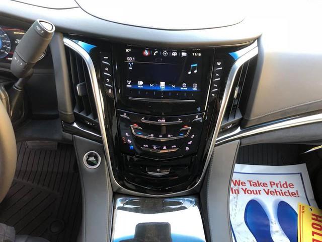Cadillac Escalade phiên bản mới về Việt Nam có nâng cấp đáng giá từ bên trong - Ảnh 8.