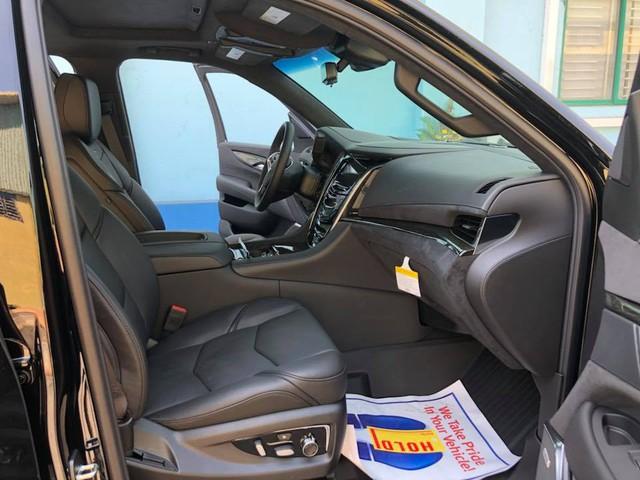 Cadillac Escalade phiên bản mới về Việt Nam có nâng cấp đáng giá từ bên trong - Ảnh 7.