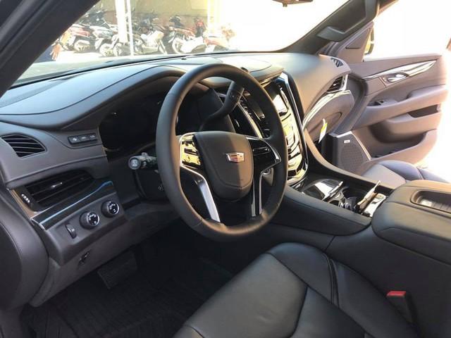Cadillac Escalade phiên bản mới về Việt Nam có nâng cấp đáng giá từ bên trong - Ảnh 5.