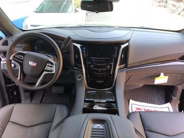 Cadillac Escalade phiên bản mới về Việt Nam có nâng cấp đáng giá từ bên trong - Ảnh 6.