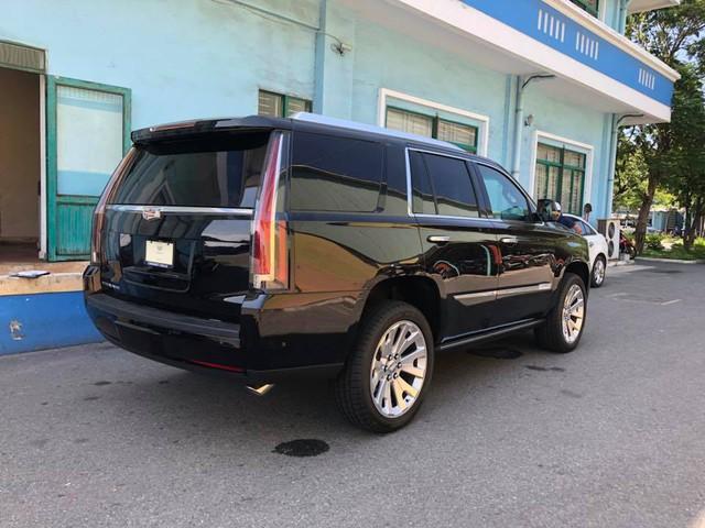 Cadillac Escalade phiên bản mới về Việt Nam có nâng cấp đáng giá từ bên trong - Ảnh 2.