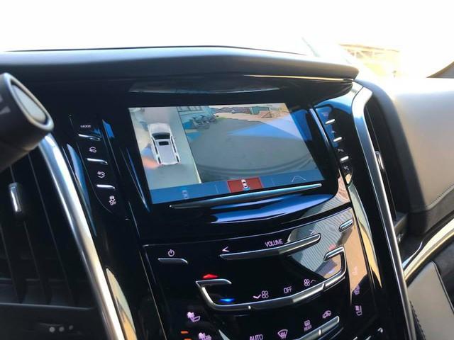 Cadillac Escalade phiên bản mới về Việt Nam có nâng cấp đáng giá từ bên trong - Ảnh 9.