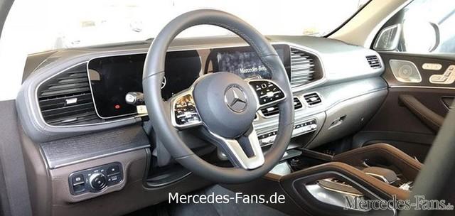 Lộ hình ảnh mới nhất, rõ ràng nhất của nội thất Mercedes-Benz GLE 2019 sắp ra mắt - Ảnh 1.