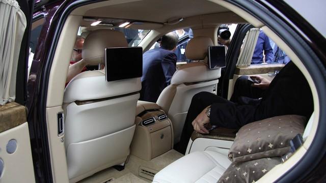 Cận cảnh Rolls-Royce của nước Nga Aurus Senat qua video - Ảnh 5.