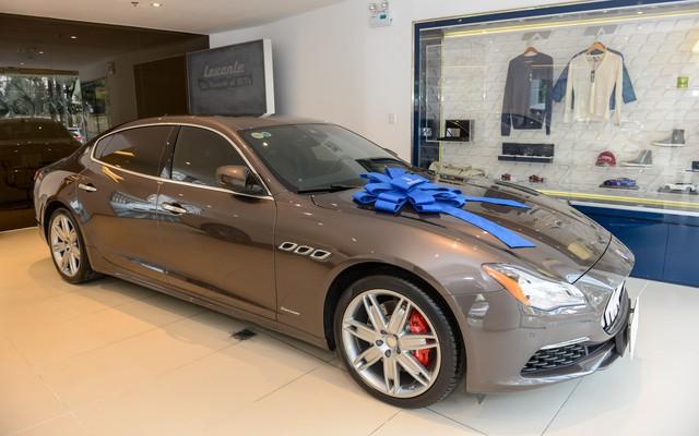 Á Hậu Thuý Vân sắm Maserati Quattroporte hàng hiếm với nội thất làm từ lụa - Ảnh 2.
