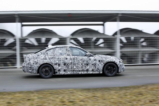 Xe bán chạy BMW 3-Series 2019 bị hành xác như thế nào trước khi ra mắt? - Ảnh 2.